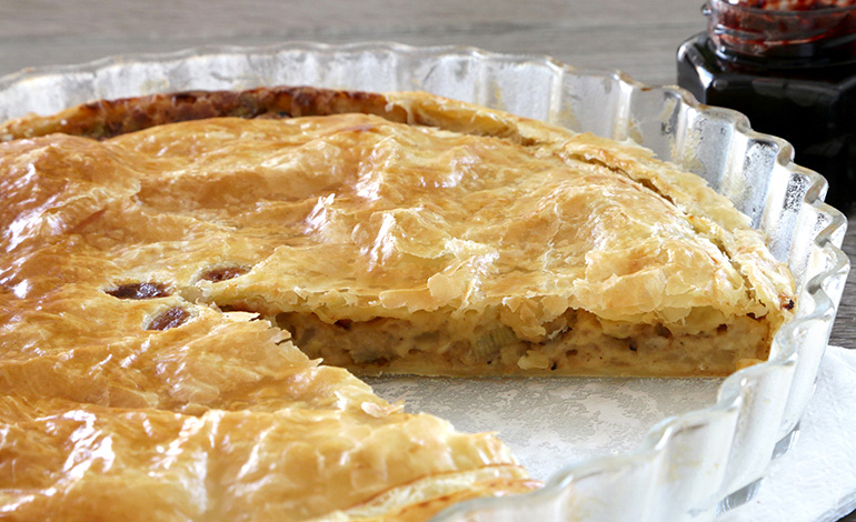Cheese & Onion Pie mit Johannisbeer Chutney