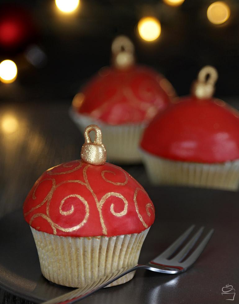 Christbaumkugel Cupcakes Meine Backbox Weihnachtsbox